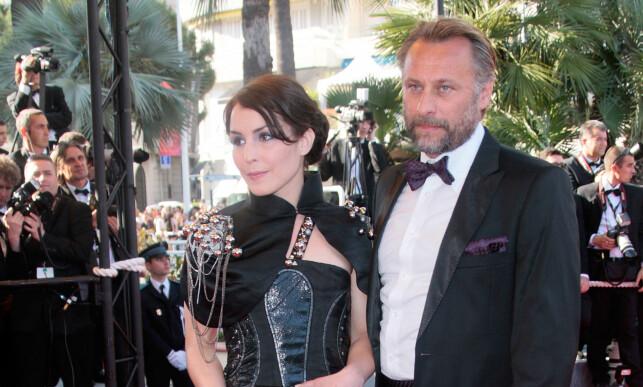 FILMSTJERNE: For mange er Michael Nyqvist aller mest kjent for å spille den mannlige hovedrollen i «Millennium»-serien. Her er han avbildet med sin kvinnelige motspiller Noomi Rapace på filmfestivalen i Cannes i 2009. Foto: AFP/ NTB scanpix