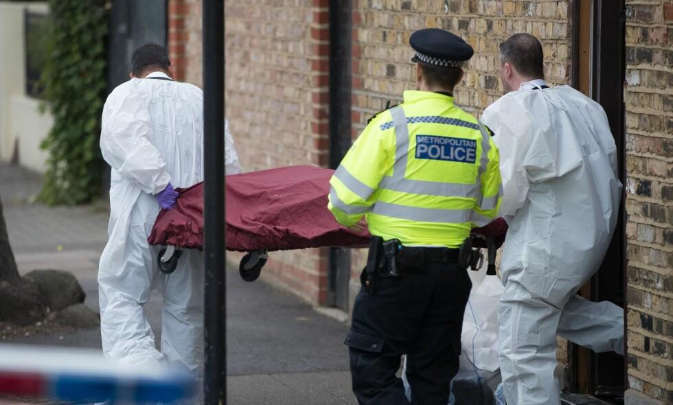 DRAPT: To personer er siktet for drap etter at det ble funnet et lik på en adresse sør i London. Foto: Peter MacDiarmid / REX / Shutterstock / NTB Scanpix