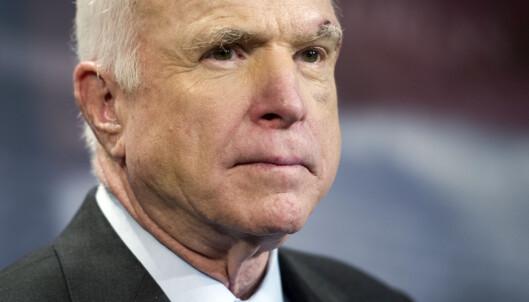 <strong>SIER NEI:</strong> For andre gang på under to måneder sier John McCain nei til sitt eget partis helseforslag. Foto: AP Photo/Cliff Owen/NTB Scanpix