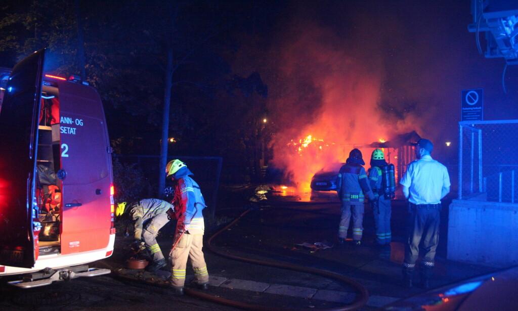 FLERE BRANNER: Politiet mistenker at flere branner i Oslo i natt var påsatt. Foto: Frank H. Evensen / PhotoRunner