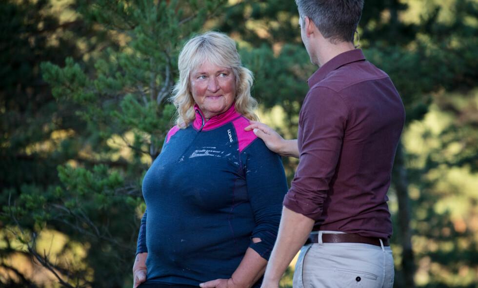 INNSER NEDERLAGET: «Farmen»-deltakeren Line Suomalainen (55) var overbevist om at hun hadde vunnet årets første tvekamp, men glemte én viktig detalj. Foto: Alex Iversen / TV 2