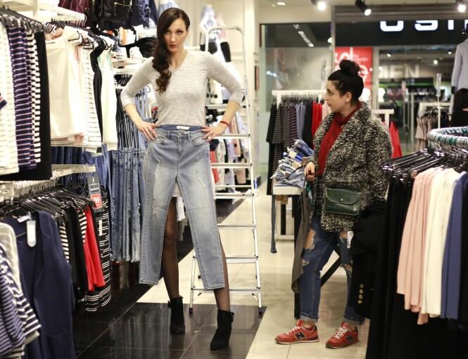 INGENTING PASSER: Hele livet har det vært en utfordring for Ekaterina å finne bukser som er lange nok. Ikke så rart når bare beina er 132 centimeter lange!