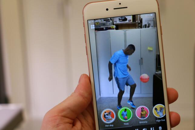 ET SKRED AV NYE APPER: I iOS 11 har Apple introdusert ARkit, som lar utviklere leke seg med virtuelle objekter i den virkelige verdenen. Foto: Pål Joakim Pollen