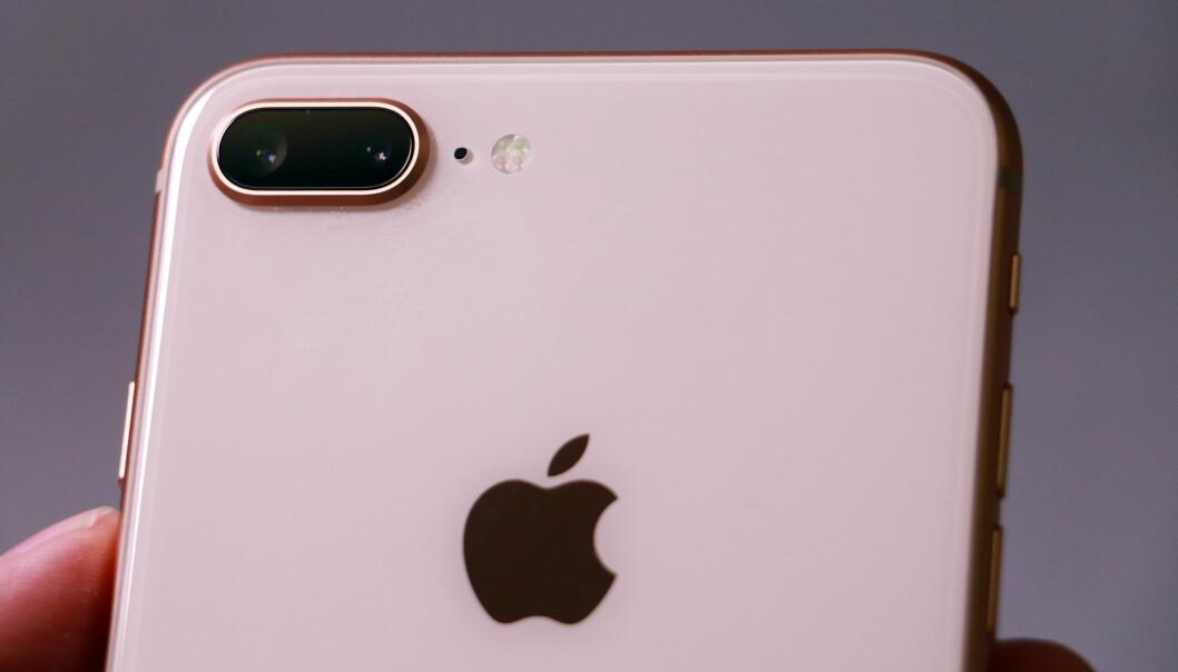 <strong>DOBBELT OPP:</strong> I likhet med 7 Plus, har også 8 Plus to kameraer på baksiden. iPhone X kan by på det samme. Foto: Pål Joakim Pollen