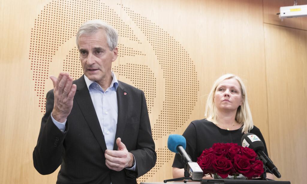 FORKLARTE SEG: Ap-leder Jonas Gahr Støre og partisekretær Kjersti Stenseng etter Arbeiderpartiets sentralstyremøte. Foto: Terje Pedersen / NTB scanpix