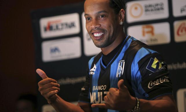 SPILTE I MEXICO: Ronaldinho i Queretaro. Foto: AP Photo/Marco Ugarte/NTB Scanpix