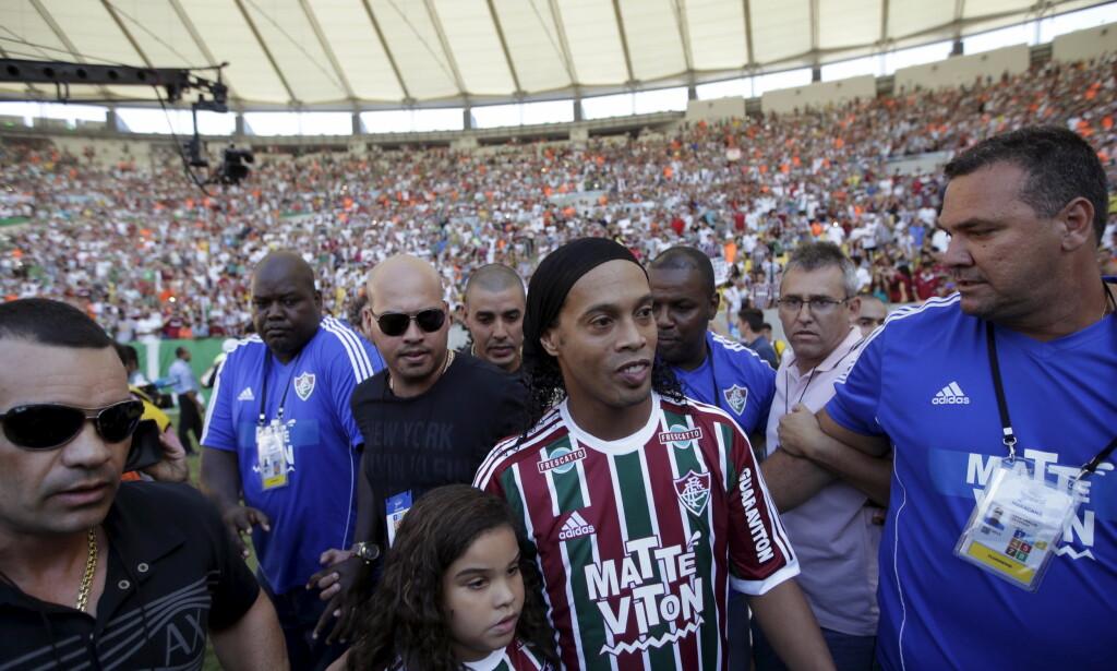 FOLKEHELT: Ronaldinho har stor stjerne i hjemlandet. Foto: REUTERS/Ricardo Moraes/NTB Scanpix
