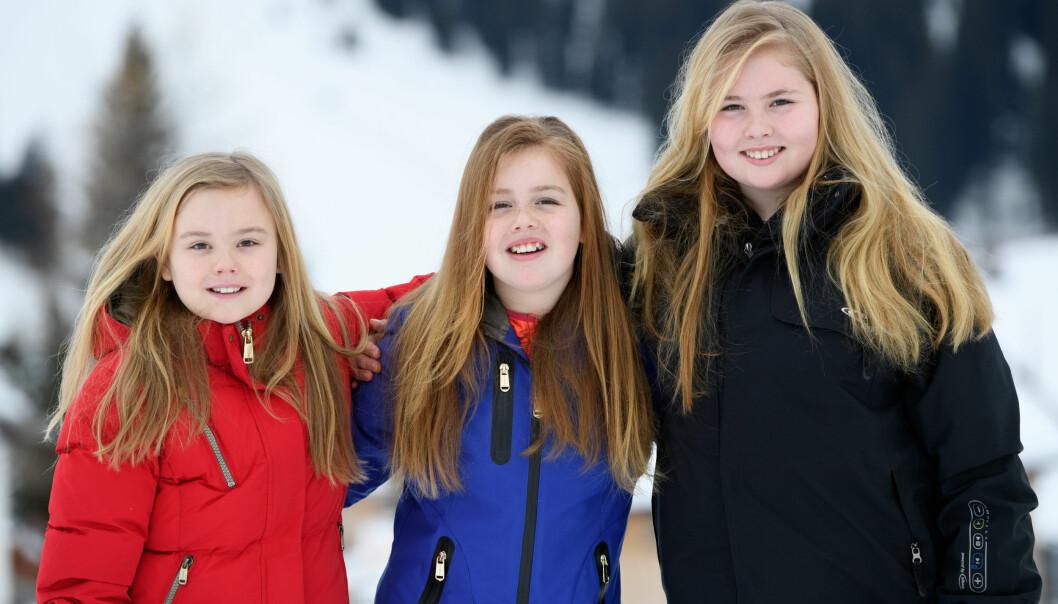NEDERLANDSKE PRINSESSER: De søste søstrene prinsesse Ariane, prinsesse Alexia og kronprinsesse Catharina-Amalia av Nederland har nære bånd. Dette bildet er tatt på skiferie i Lech i Østerrike tidligere i år. Foto: NTB Scanpix