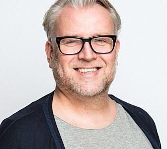 <strong>ROSER BOKEN:</strong> Tore Holte Follestad er ikke enig i at boken er en ufarliggjøring av pornografi. Foto: Kai Myhre