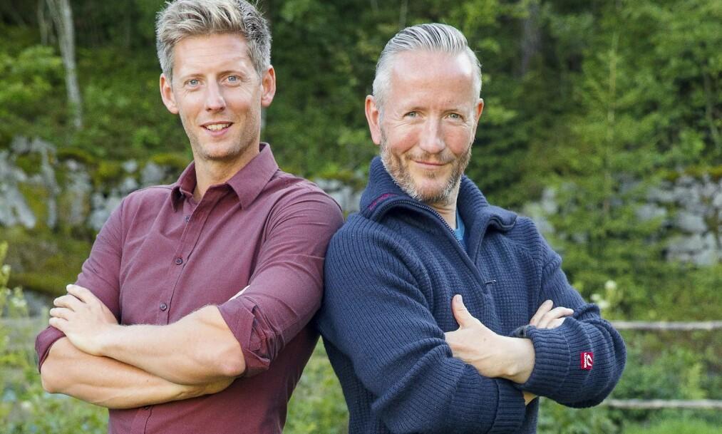 FIKK KALL: Jeg hadde en «en til en-samtale » med vår skaper og fikk beskjed om at jeg måtte melde meg. Jeg har jo et budskap som jeg brenner for, sier Geir Magne Haukås om hvorfor han meldte seg på «Farmen». Her er han sammen med programleder Gaute Grøtta Grav. Foto: TV 2, Espen Solli