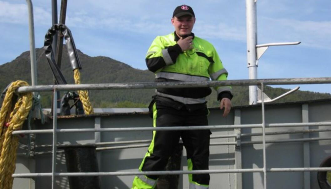 <strong>KJENTMANN:</strong> Hans-Thomas er stolt av hva Helgeland har å by på. Og i dette været er det deilig å være fergemannskap. Turnusjobbing på fergen gir ham en uke fri etter fjorten arbeidsdager.
