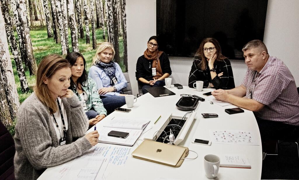POLITI: Leder av «Prosjekt November» Hanne Finanger (t.v.) og hennes kolleger Camilla Heidahl, Gro Aasen, Cathrine Lise Saroea, Eldbjørg Sandmark Håseth og Rolf Krokene. Foto: Jørn H Moen / Dagbladet