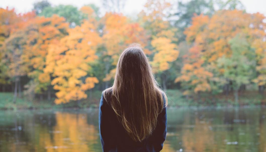 BARN MED MIGRENE: Sterk hodepine og kvalme er bare to av symptomene på migrene. Bildet er et illustrasjonsfoto. Foto: NTB Scanpix