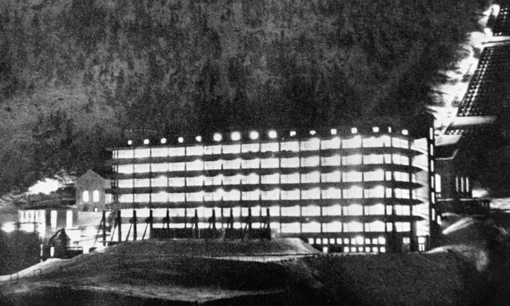 HISTORISK: Slik så fabrikken som sto over kjelleren ut. Foto: NTB Arkiv / Scanpix