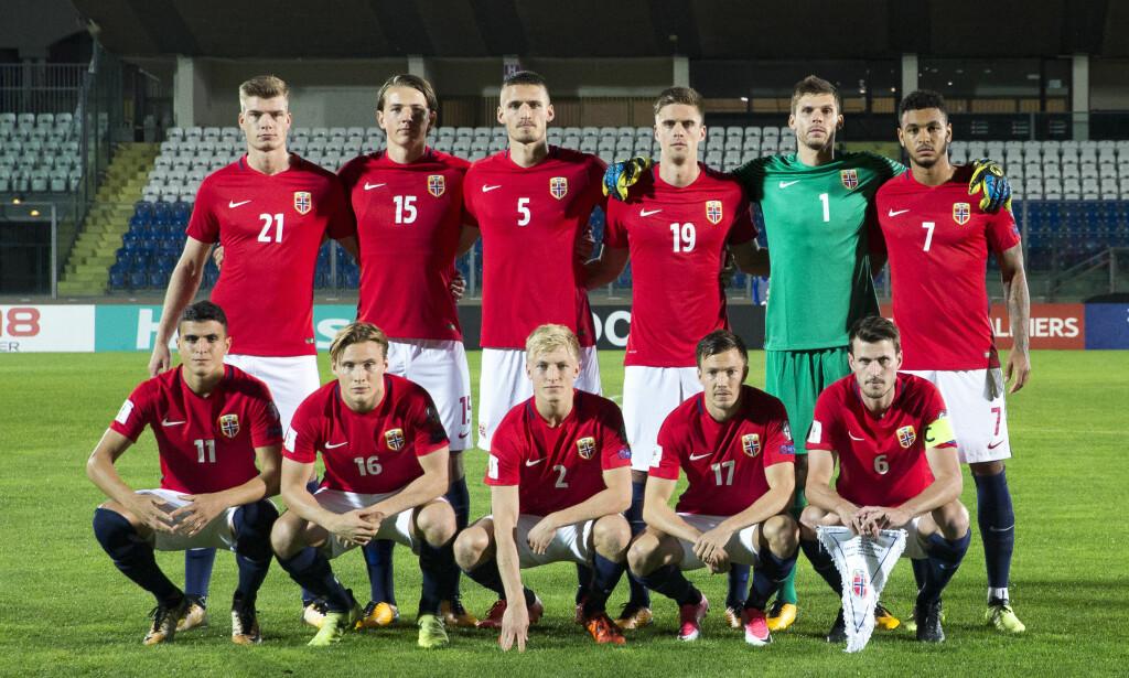 KLATRER: Fotballgutta er nå nummer 56 på FIFA-rankingen. Her fra kampen mot San Marino, som Norge vant 8-0. Foto: NTB scanpix