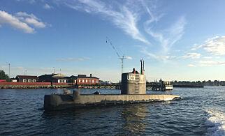 København, Danmark 20170812. Ved 19.30-tiden torsdag aften 10. august blev dette billede af den hjemmebyggede ubåd UC3 Nautilus taget i Københavns havn. Ejeren af ubåden, opfinder Peter Madsen, er siden blev drabssigtet, efter hans passager - en svensk kvinde - natten til fredag blev meldt savnet af sin kæreste, da ubåden ikke vendte tilbage til sin kajplads. I ubådens tårn ses en kvinde, som på flere punkter matcher det signalement af den savnede svensker, som Københavns Politi lidt før kl. 18 fredag sendte ud i en pressemeddelelse. Foto: Anders Valdsted / NTB scanpix