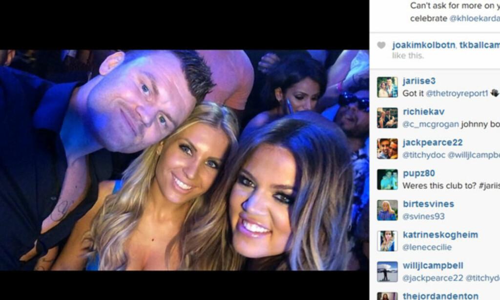 FESTET MED KHLOÉ KARDASHIAN: John Arne Riise og kona Louise Angelica glemmer ikke møtet med Khloé Kardashian i Las Vegas. Men «selfien» ble en kostbar affære. Foto: John Arne Riise/ Instagram