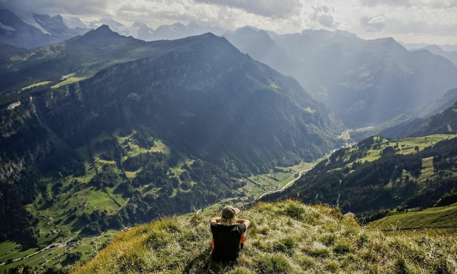 Felix Lorentzen, at the cliff Busalp in the Swiss Alps. Photo: Jørn H. Moen / Dagbladet