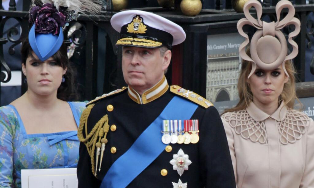 ER PRINSESSER: Prins Andrews døtre, prinsesse Eugenie (t.v) og prinsesse Beatrice, har begge fått tittel som prinsesser. Foto: AP/ NTB scanpix