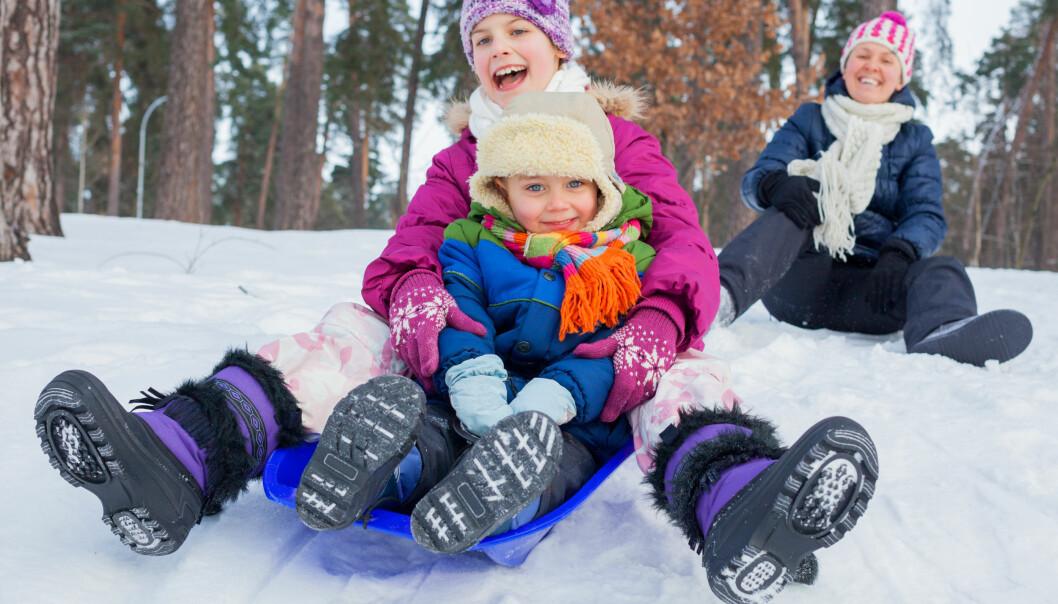 <strong>TEST AV VINTERSKO:</strong> Test av vintersko for barn avslører at det er store forskjeller på hvor godt de puster - men at de fleste er varme og tette. Foto: Shutterstock/NTB Scanpix