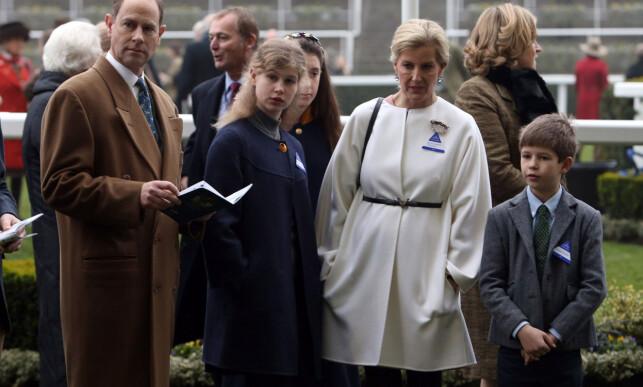 VALGTE BORT TITLENE: Prins Edward og grevinne Sophie bestemte at barna Louise og James ikke skulle bli kalt prinsesse og prins. Foto: NTB scanpix