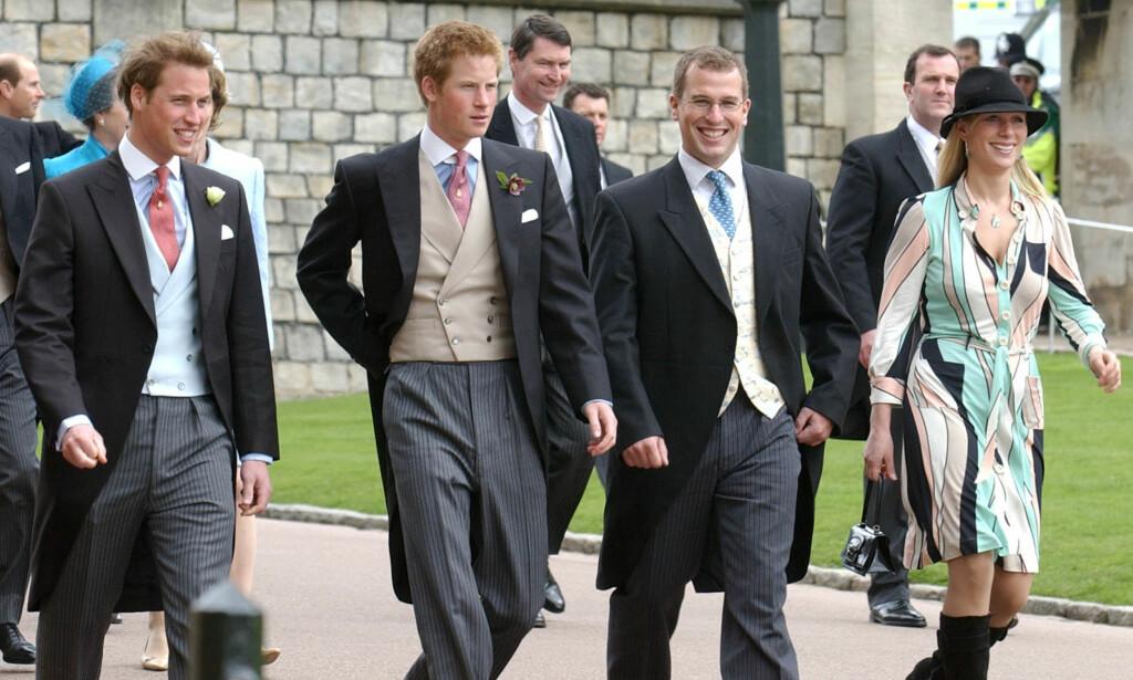 IKKE SOM WILLIAM OG HARRY: Barna til prinsesse Anne, Peter og Zara (t.h. i bildet), har i motsetning til prins William og prins Harry (t.v.), ikke kongelige titler. Her er søskenbarna i bryllupet til prins Charles og hertuginne Camilla i 2005. Foto: AP/ NTB scanpix