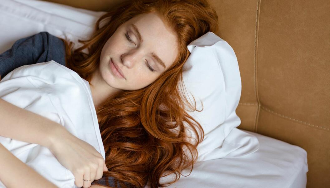 ALKOHOL OG SNORKING: Når vi sover er muskulaturen i de øvre luftveiene mer avslappet, og det gjør luftkanalene trangere og kan gjøre at vi snorker. FOTO: NTB Scanpix