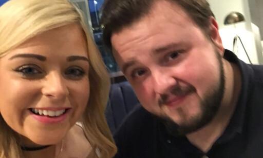 SELFIE: Catherine Donnelly fikk også tatt en selfie med Sam Tarly (John Bradley-West). Foto: @ketel_cat / Instagram