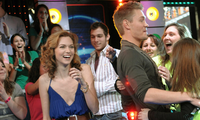 BLE ANTASTET: Burton, til venstre i bildet, var kjent fra både «TRL» og «One Tree Hill». Sistnevnte serie hadde hun en hovedrolle i. Her er hun med medskuespiller Chad Michael Murray i 2008. Foto: NTB scanpix