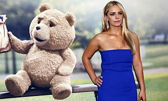 <strong>BETRODDE SEG:</strong> Skuespiller Jessica Barth jobbet med Seth MacFarlane i «Ted»-filmene, og betrodde seg til ham om sine møter med filmmogul Harvey Weinstein. Foto: NTB Scanpix