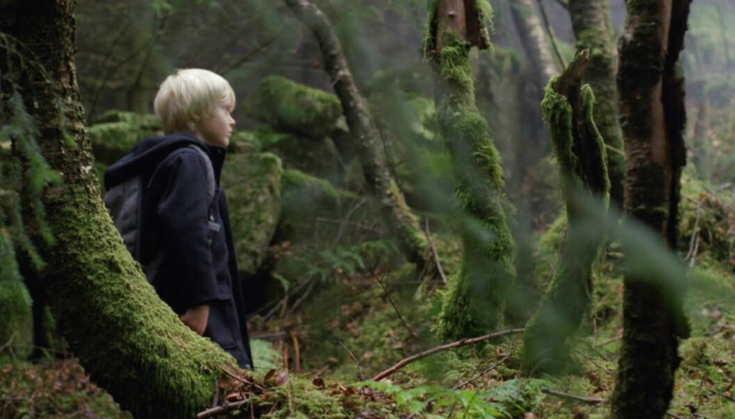 SKYGGENES DAL: Ni år gamle Adam Ekli har hovedrollen i den norske filmen «Skyggenes dal». Foto: Marius Matzow Gulbrandsen