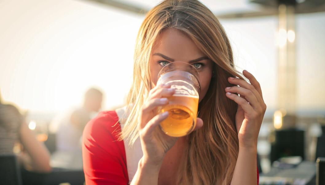 LETTØL OG CIDER: Er det egentlig noen vits i å velge øl og cider som inneholder færre kalorier? FOTO: NTB Scanpix