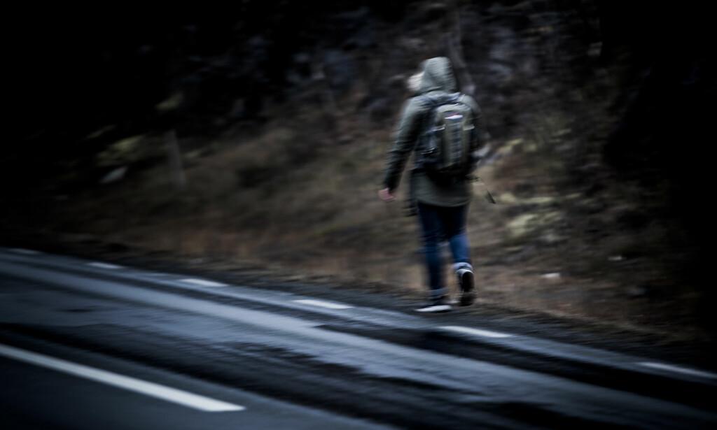 PÅ FLUKT: Dagbladet fulgte i fjor høst en 18 år gammel afghansk ungdom som flyktet fra Norge etter å ha levd med midlertidig oppholdstillatelse fram til bursdagen sin. Foto: Christian Roth Christensen / Dagbladet.