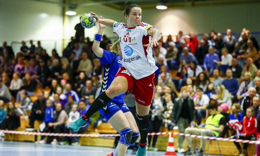 <strong>TAP I MESTERLIGAEN:</strong> Kristina Rosten og Larvik, her fra sluttspillet i Norge i fjor i første kvartfinale i sluttspillet i fjor, tapte sin andre kamp i mesterligaen i kveld. Foto: Terje Pedersen / NTB Scanpix