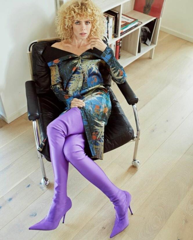 LEKER MED STILUTTRYKK: Ville ikke idolet Prince ha elsket disse støvlene? Mest sannsynlig ja. Foto: Ole Martin Halvorsen Hår og makeup: Eonora Olsen Styling: Cecilie Mevatne