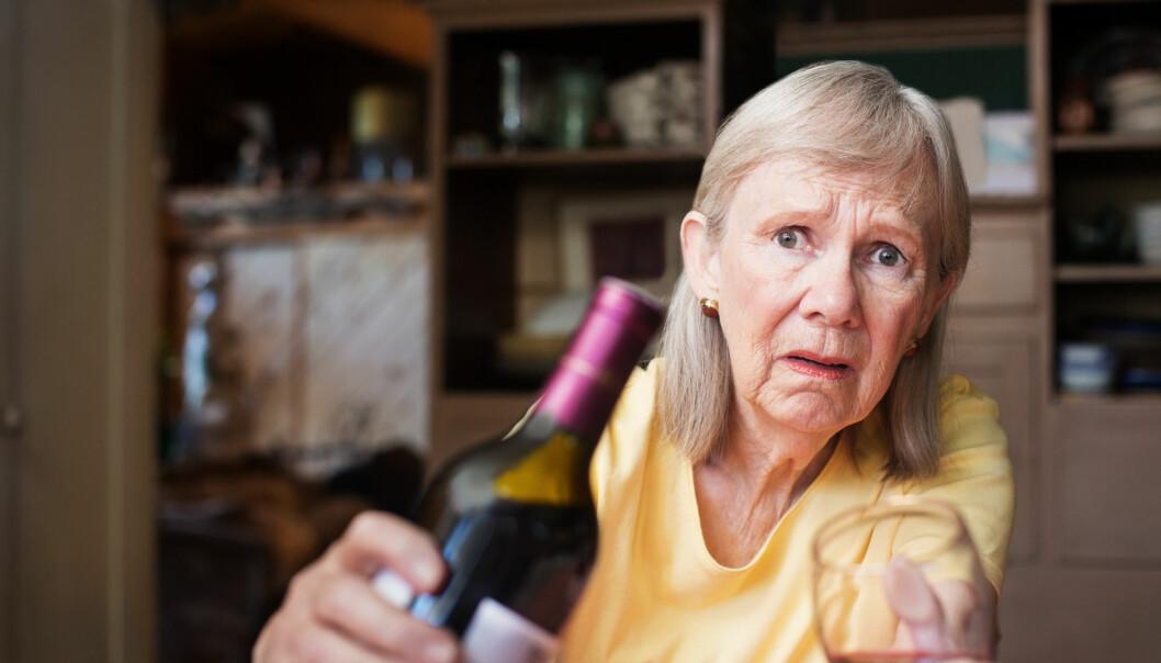 <strong>DET FARLIG GODE LIV:</strong> Mange pensjonister har hatt et normalt forhold til alkohol tidligere. I pensjonsalderen bruker de alkohol som før, gjerne i kombinasjon med legemidler. Foto: NTB Scanpix