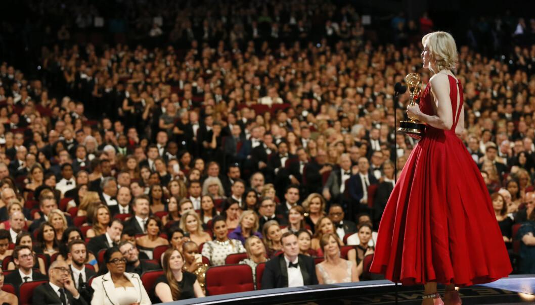 TALTE TIL FOLKET: Nicole Kidman ba folk tenke over budskapet som ligger bak rollen hennes, og hvorfor hun fikk prisen. FOTO: NTB Scanpix