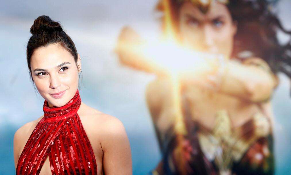 POPULÆRT HALLOWEEN-KOSTYME: Karakteren til Gal Gadot, Wonder Woman, er det kostymet flest søker etter på Google. Foto: Scanpix