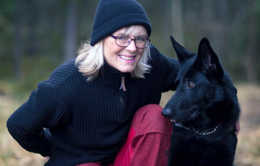 BEKKENLEDDSMERTER: Etter mange års kamp var Anne Kirsti (51) utmattet og nær ved å gi opp, før hun møtte kirurgene ved ortopedisk avdeling på Rikshospitalet, som ga henne livet tilbake. FOTO: Privat