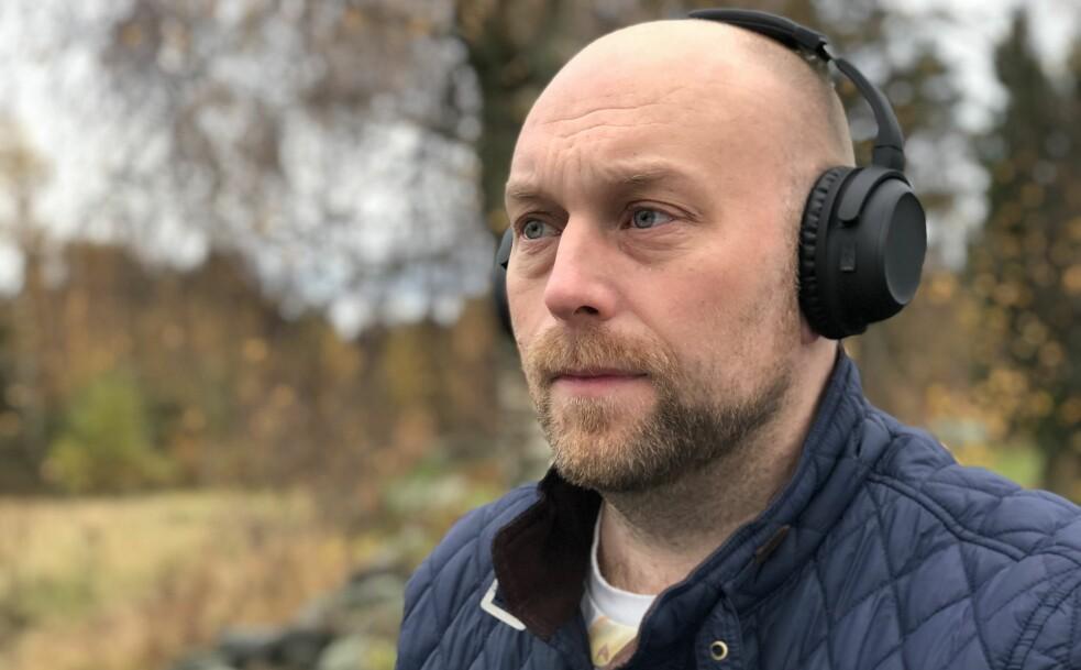 <strong>HYGGELIG PRIS:</strong> 599 kroner er ikke galt for et par trådløse hodetelefoner med aktiv støyreduksjon. Foto: Pål Joakim Pollen