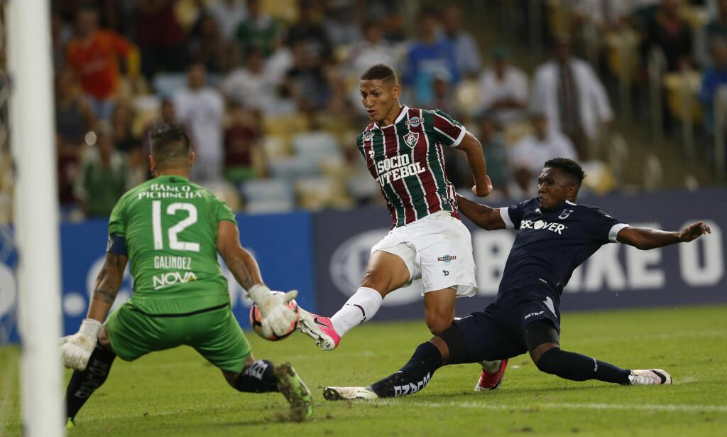 GOD ETTER HVERT: Richarlison fant seg etter hvert til rette i Fluminense. Foto: AP Photo/Silvia Izquierdo/NTB Scanpix