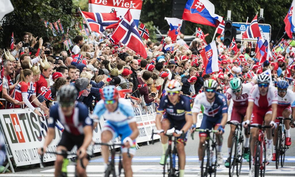 DYR FOLKEFEST: Sykkel-VM i Bergen ble en voldsom folkefest, men økonomisk gikk arrangørene på en gigantisk smell. Foto: Hans Arne Vedlog / Dagbladet .