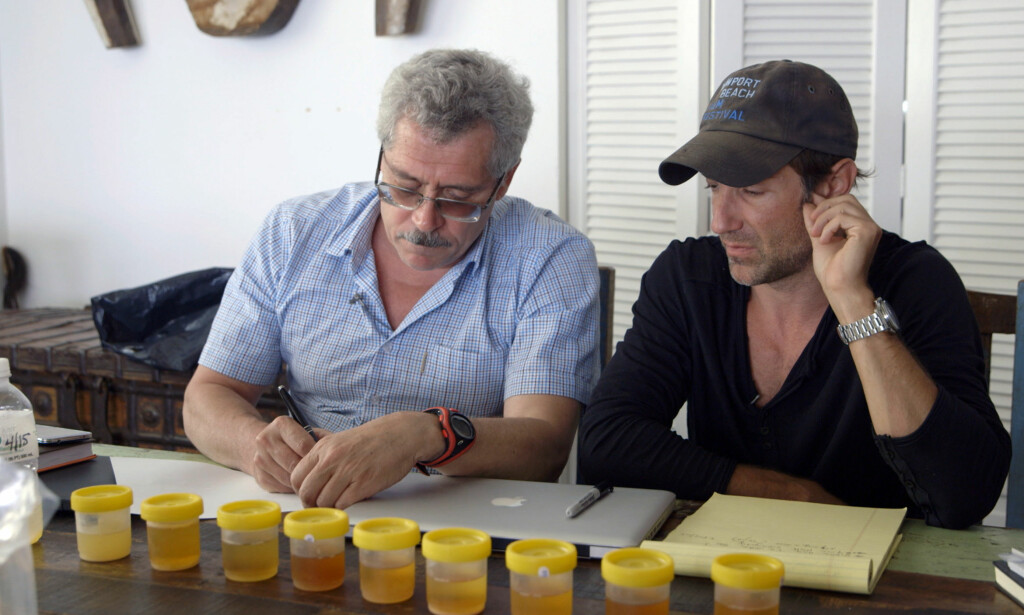 BLE VENNER: Filmskaper Bryan Vogel og tidligere sjef for antidoping-laboratoriet i Moskva, Grigorij Rodtsjenkov. Foto: Netflix