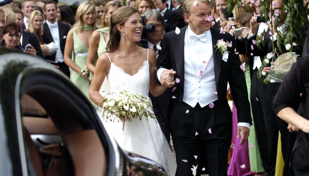 PÅ BRYLLUPSDAGEN: Charlotte Persson giftet seg med Martin Söderström i et flott bryllup i 2002. Foto: NTB scanpix