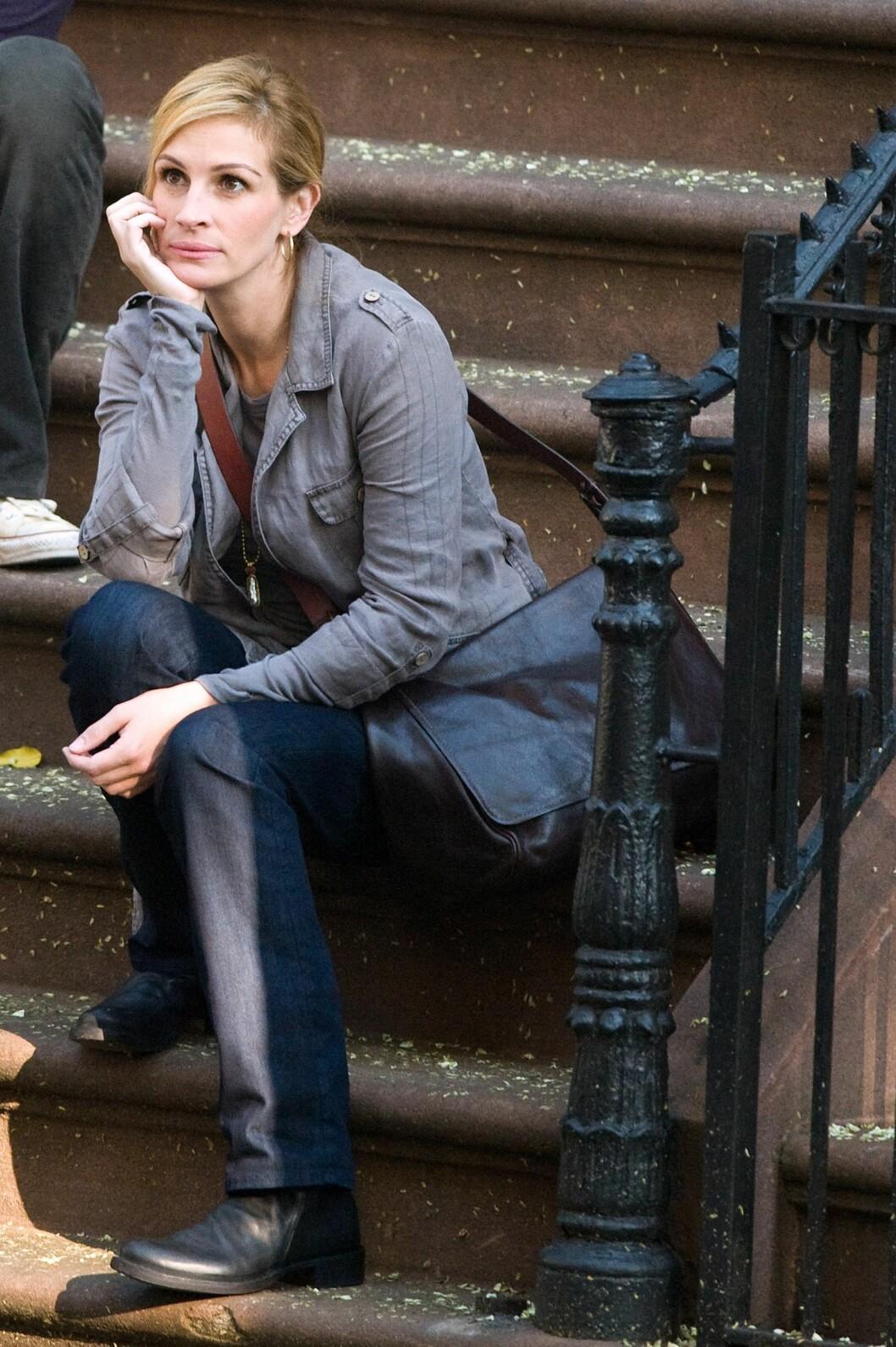 Her er hun på settet av «Eat Pray Love» fra 2010.