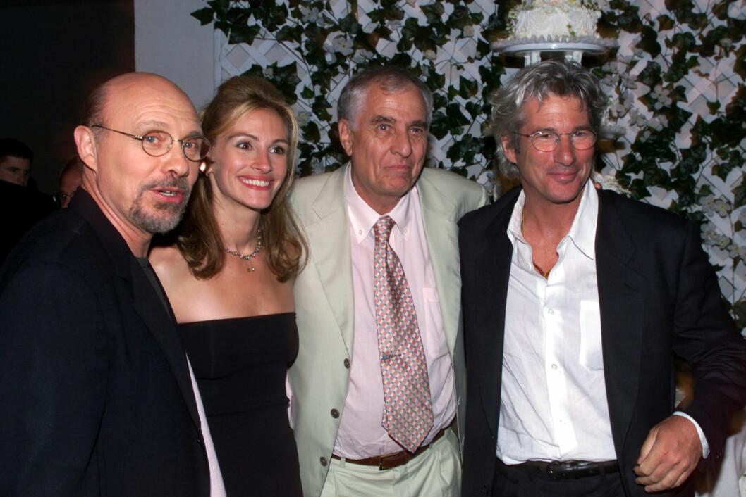 I 1999 hadde filmen «Runaway Bride» premiere. Her er Julia Roberts sammen med skuespillerne Hector Elizondo og Richard Gere, samt regissøren Garry Marshall.
