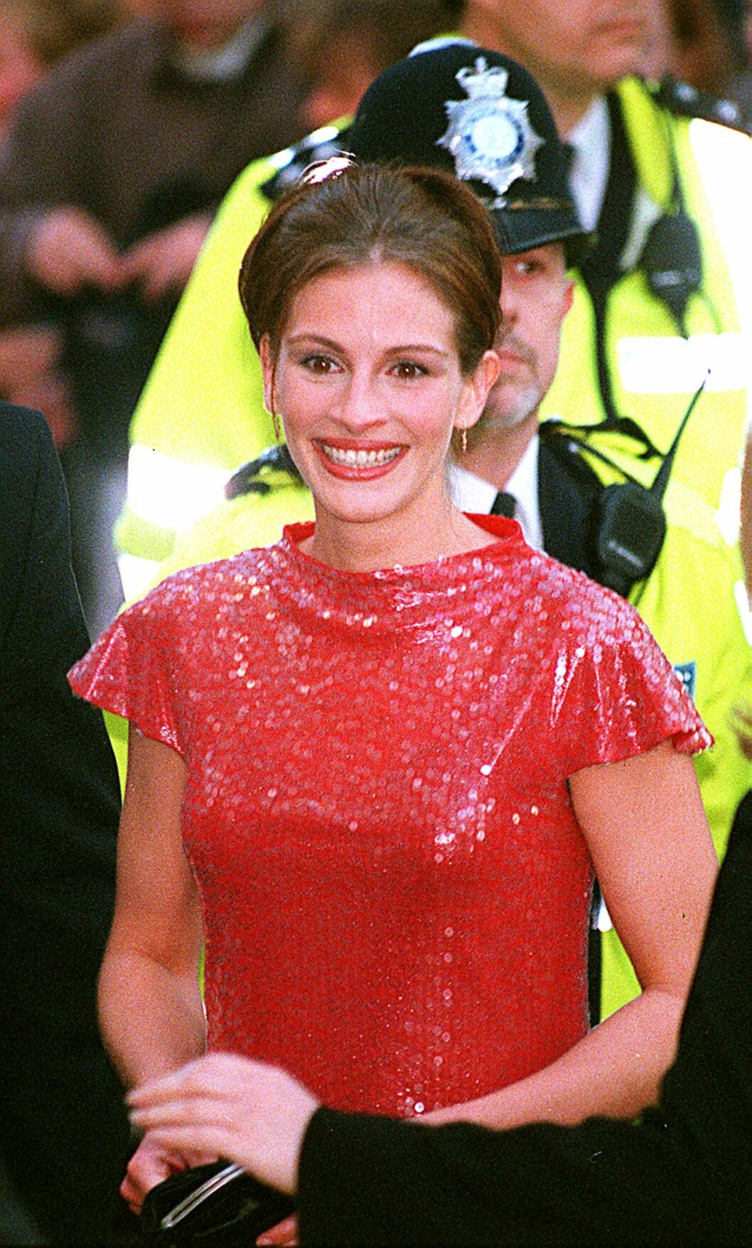 Julia Roberts ankommer premieren av «Notting Hill» fra 1999.