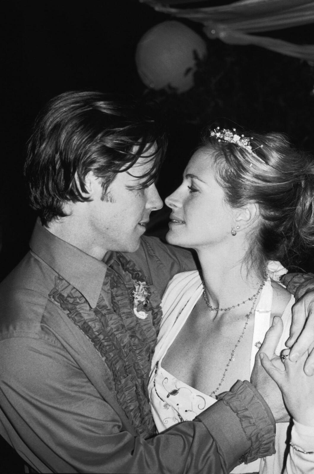 Julia giftet seg med Daniel Moder i 2002.