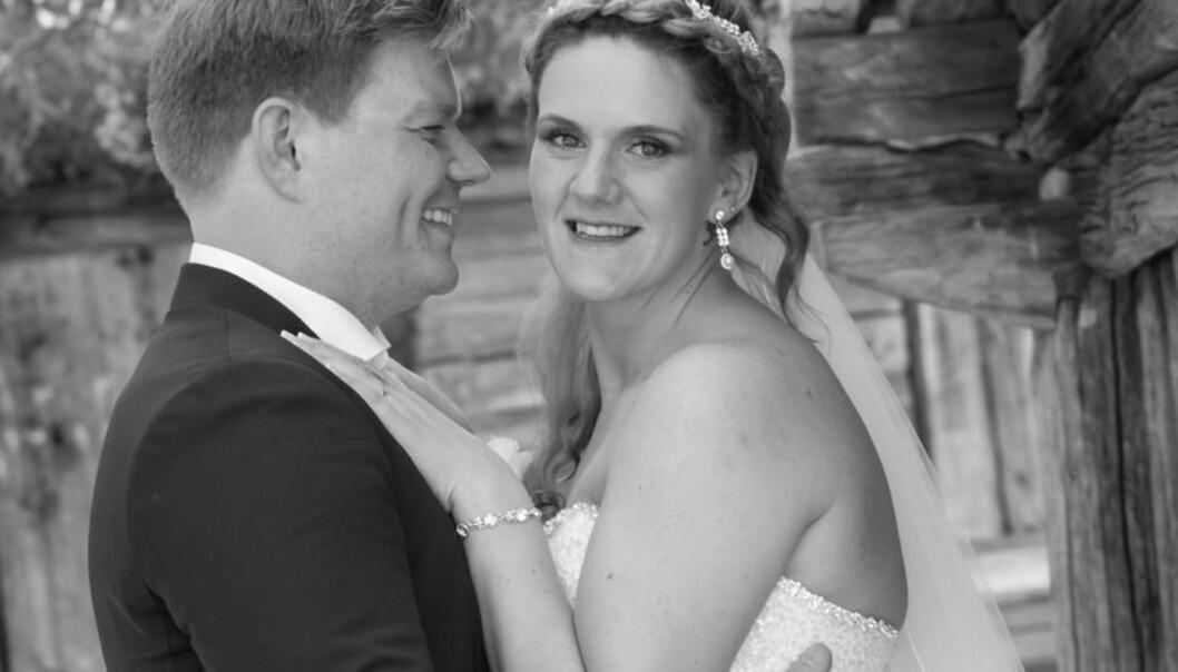 FÅR SNART TVILLINGER: Det er ikke lenge siden de giftet seg, nå blir snart Silje-Mari og Bjørn tvillingforeldre. Foto: Trine Lise Halmøy