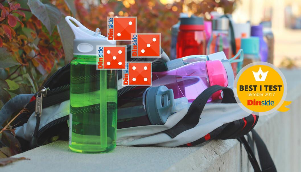 <strong>TEST AV DRIKKEFLASKER:</strong> Kun seks av 15 drikkeflasker er tette - og én sprekker når vi mister den i gulvet. Foto: Kristin Sørdal